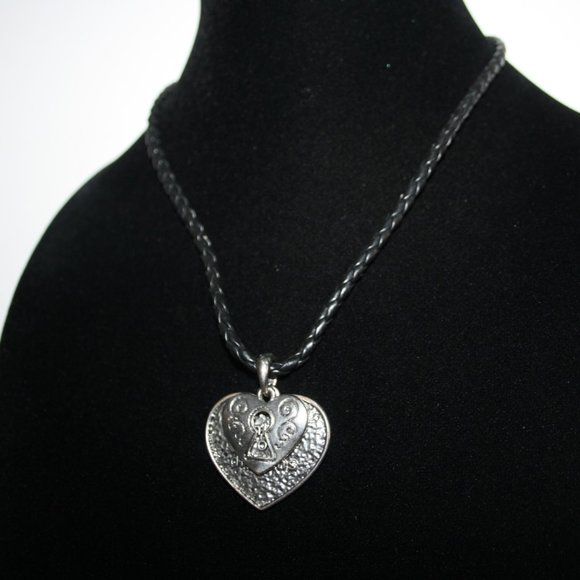 """Black and silver heart necklace 17-20"""""""